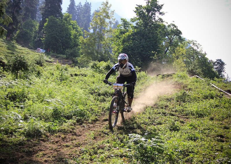 1st Himachal Downhill Mountain Bike Trophy 2014 - www.himalayanmtb.com Photo Jigme Bodh