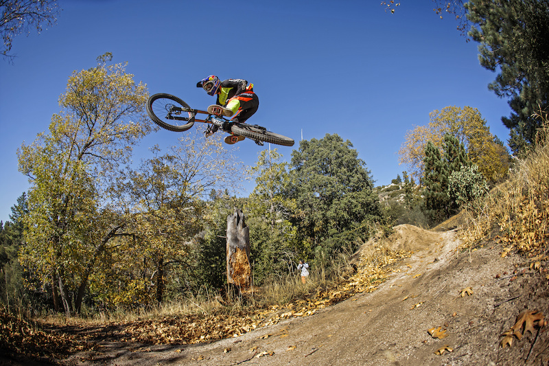 Aaron Gwin testing his new signature kit the TROY LEE DESIGNS SPRINT Racewear.