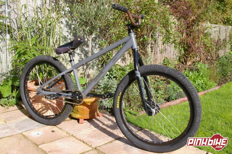tranny, trailblade2's in 20mm, .243 bars, macneil cassette rear/ revolver front on bfr's, primo powerbites, hookworms but now has fs100's. new street park ride, sweet as..