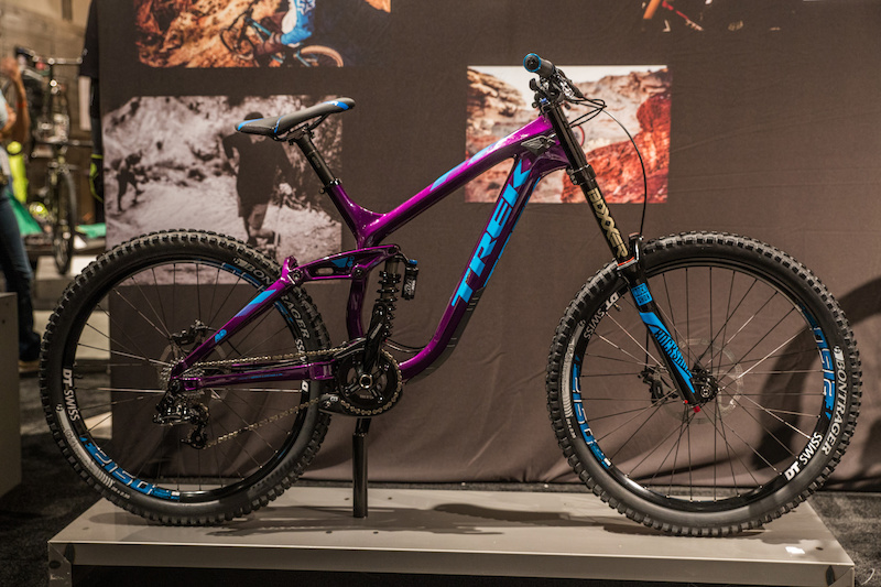 First Look Trek S New Carbon Slash 27 5 Session Dh Bike And 26