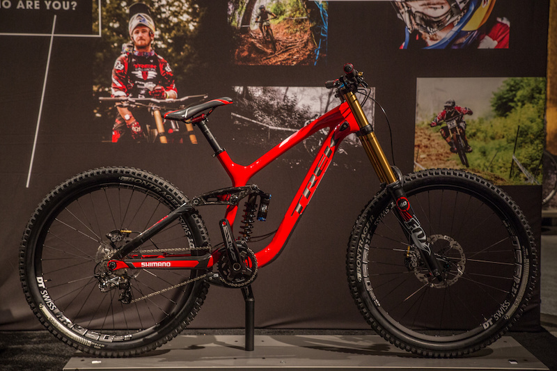 b9d70aa94f6 First Look: Trek's New Carbon Slash, 27.5 Session DH Bike, and 26 ...