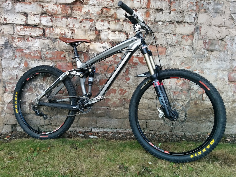 bbb3cca1149 2010 *bigger price drop £1200* Trek Remedy loads of upgrades endu ...