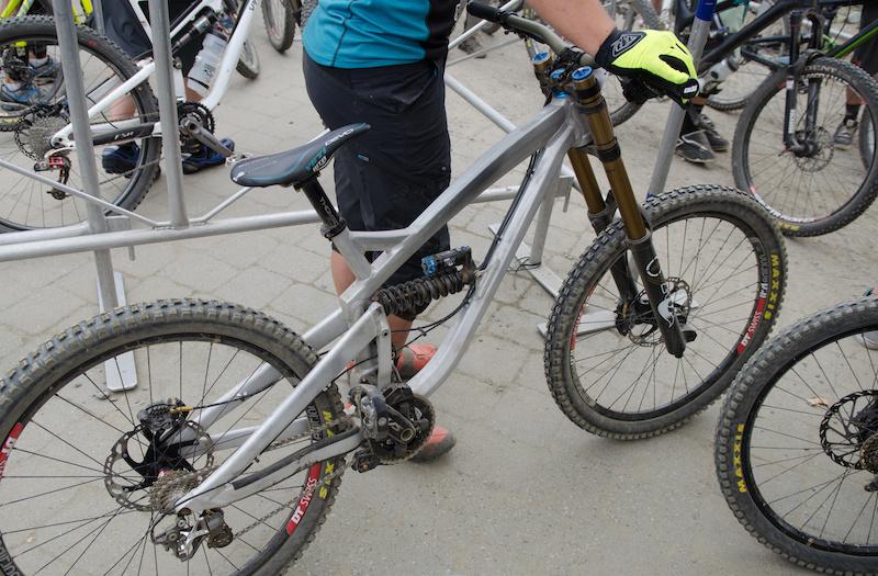 spotted prototype yeti downhill bike   pinkbike
