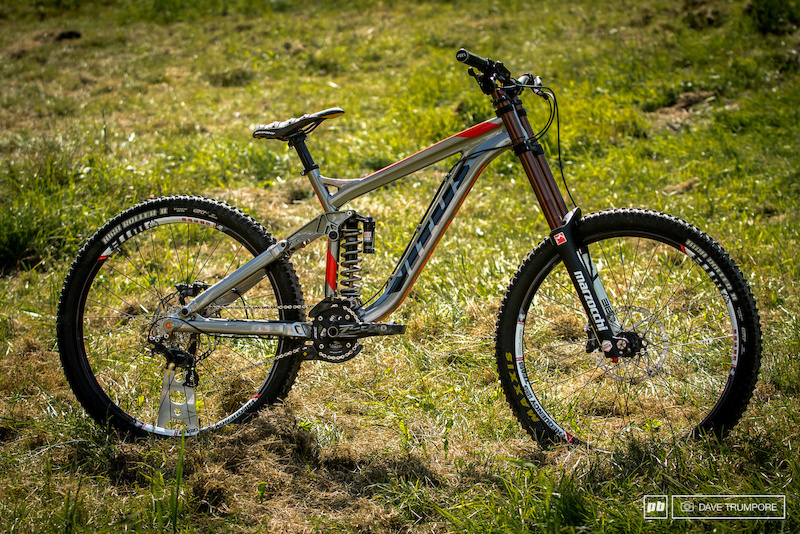62f3f595ee8 First Look: 2015 Vitus Dominer DH Bike - Pinkbike