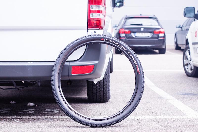 hutchinson python tire