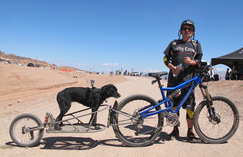 One time trail builder here at Boulder City Erik Norland and his furry pal Kaya were ripping up laps together of the trail network they once helped build. Erik hails from Las Vegas Nevada but was here with friends from Advanced Cyclery out of Syracuse New York. Check You Tube for the two in action.