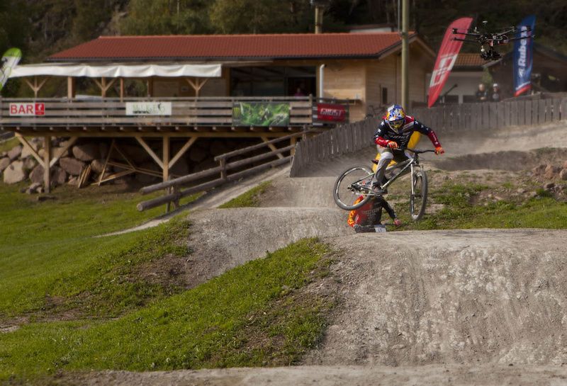 Guido and Tomas have fun in Mike s Bike Park in Sarntal