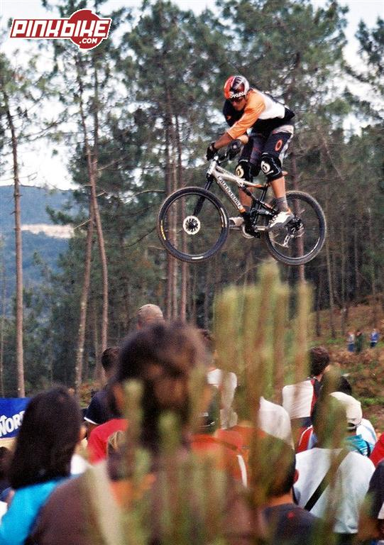 "X-up. Looks like a ""Righty"" suspension...LOL.  CG in 4X race in Vigo 4X World Cup 2005."