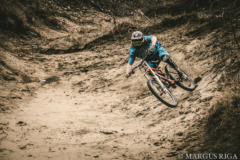 James Doerfling Sign s two year contract extension with Knolly Bikes