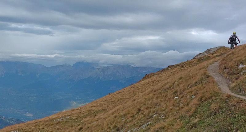 Climbing to Illsee Pass
