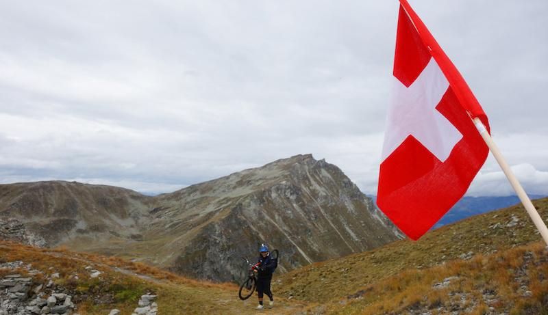 Climbing up to Parilet Pass
