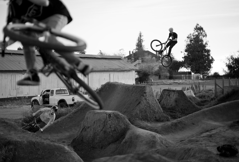 riders from all over throwing down the last lines at post.