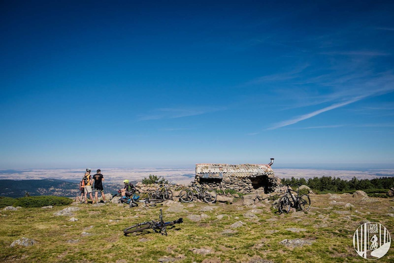 Mountain Biking dream trails less than one hour driving from the big city.
