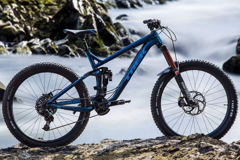 @Jonathan-dawson-photography snapped this awesome photo of my trek slash, so stoked on it!