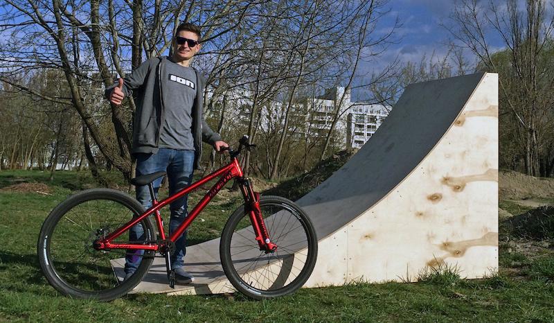 Using Dartmoor s Bike Box to Build a Wood Kicker