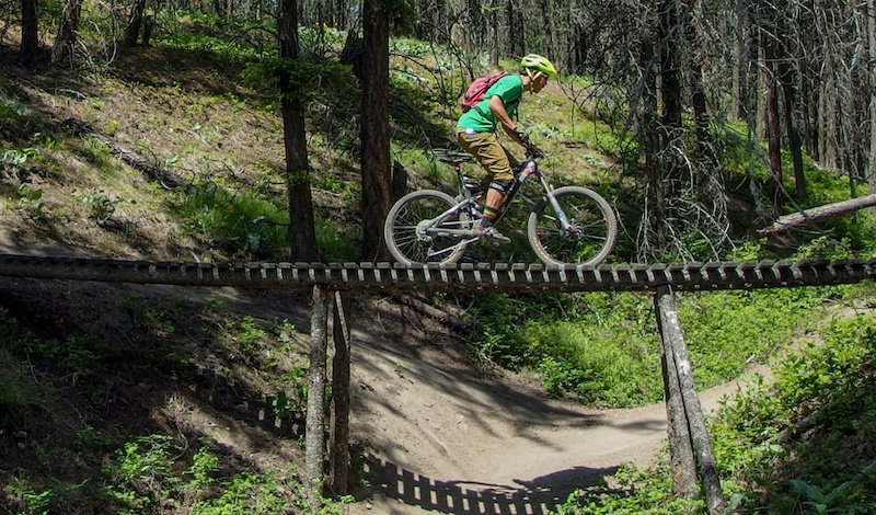Research for the Locals' Guide to Okanagan Rides  Photo JohnnyS