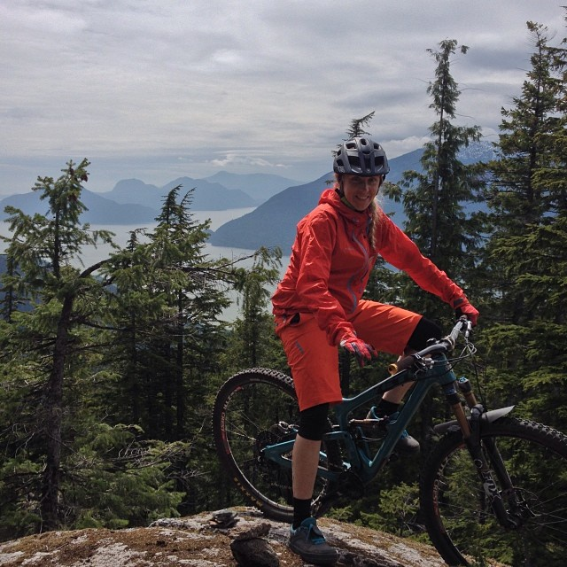 Pic#8 – Fanny happy and high above Howe Sound ready to drop into pure awesome