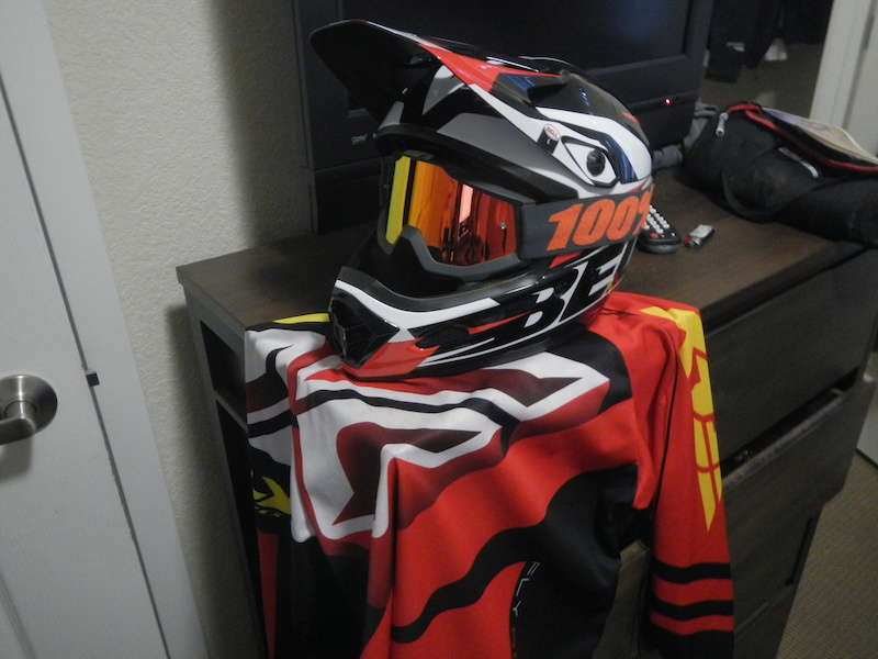 d4683ae44f1 What helmets  amp  goggles do you use  - Page 460 - Pinkbike Forum