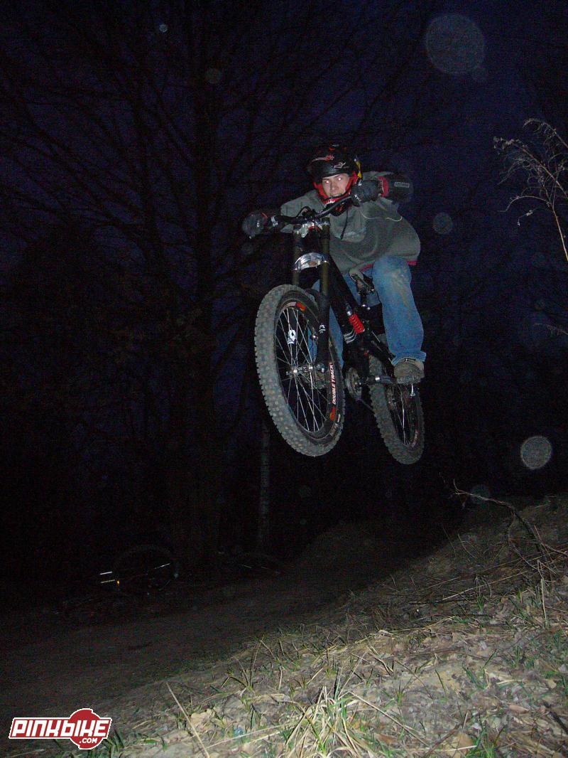 Night dh riding photo by Budyń on Łukasz bike :P