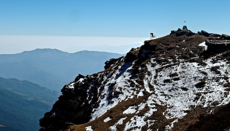 mountain bike nepal holidays trip donwhill