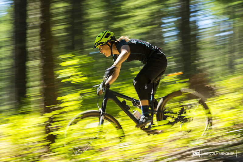 Outta nowhere. XC Eliminator racer Andreane Lanthier Nadeau of Rocky Mountain Bikes traveled down from BC and stole the show with a resounding win: +:57 on KellI Emmett. I'm thinking we will see more of her racing Enduro in the future.