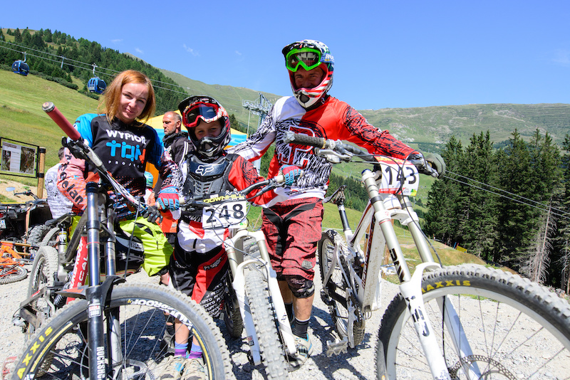 Three of the Wypior clan from Poland with only Igor missing. All of them raced with Marta being one of the youngest on track. Last year Rafal organized a youth downhill camp in Serfaus Fiss Ladis with 77 kids according to him that was more relaxing the just being here with his family...