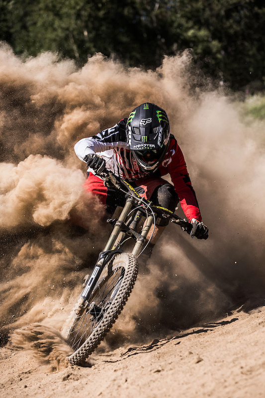 dusty front cover shot for mtb rider magazine 174