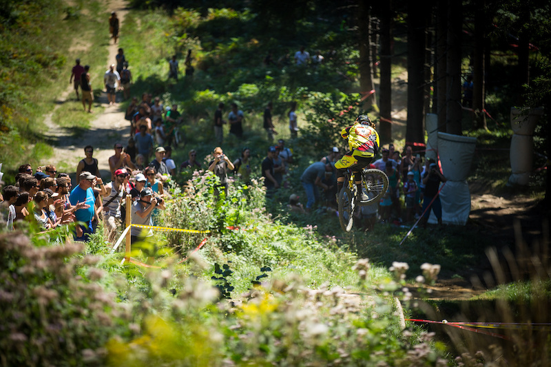 Remy Morton of Australia races down the downhill track on the Nordkette Singletrail during the Nordkette Downhill.PRO in Innsbruck Austria on August 29 2015. Free image for editorial usage only Photo by Sebastian Schieck.