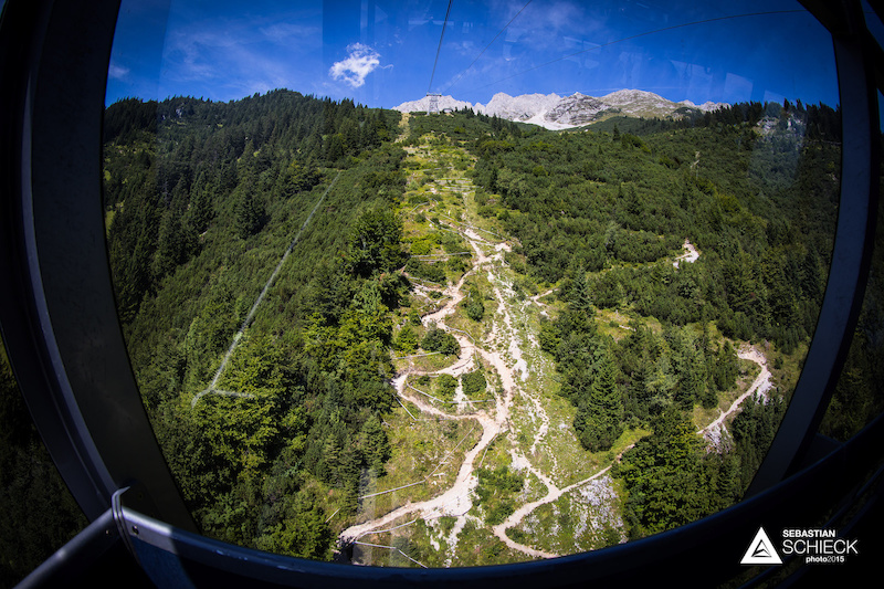 Running right below the cable car the track can be inspected from above when taking the uplift to Seegrube. Usually many aaaahhhhs and oooohh can be heard from people not familiar with downhill biking. One question heard quite often is You ride your bike down this trail