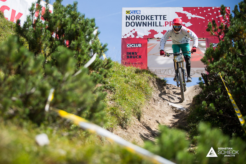 One of the markting slogans of Innsbruck is alpine to urban which describes the Nordkette Singletrail just perfectly. Starting off with a ton of gnarly switchbacks this trail is rather technical with not that many read basically none high speed sections.