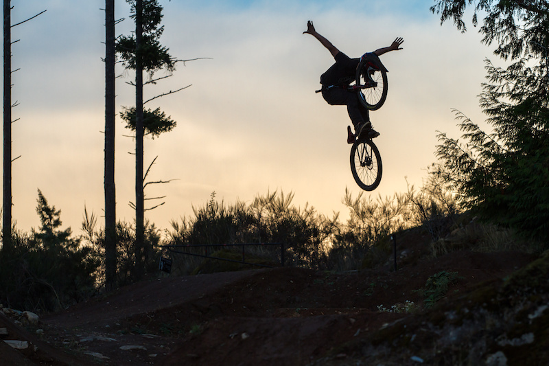 Riding with Kyle last night and the sky was looking neat. Canon 7D Canon 70-200mm f 4L 118mm 1 640 f 5.6 ISO 320