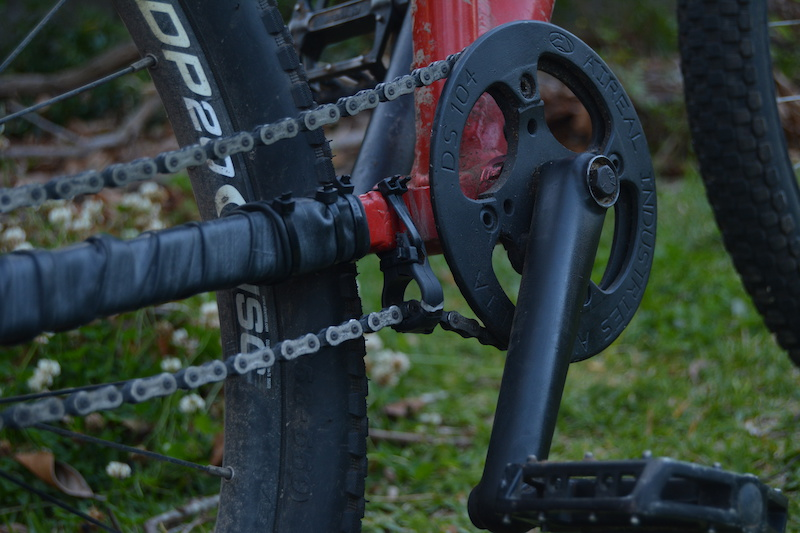 Chain tensioner single speed horizontal dropouts