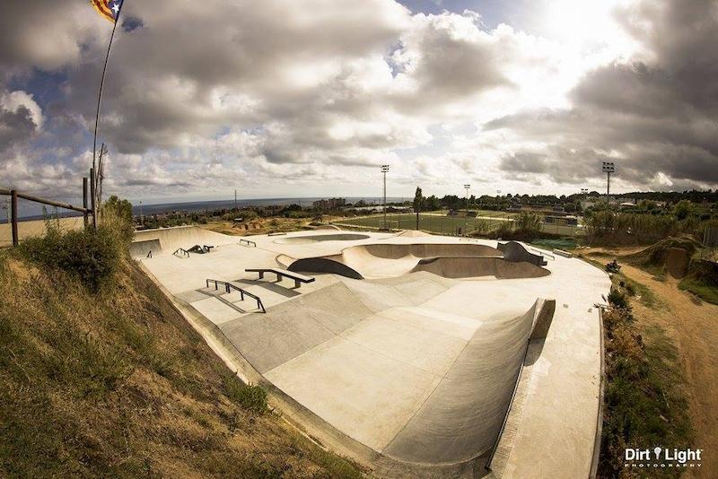 Brand new Skatepark in la poma. Photo by https www.facebook.com dirtlightphotography