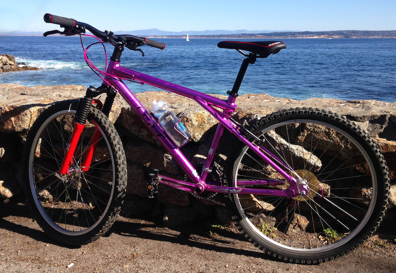 My first ride along the ocean trail in Monterey CA. I have everything adjust pretty well and it s time to enjoy.