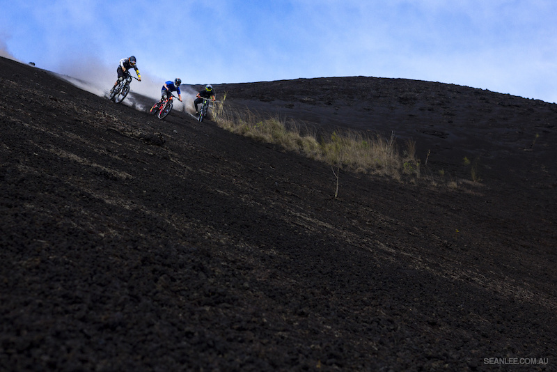 Nick Pescetto Wyn Masters and Mark Matthews tearing downhill