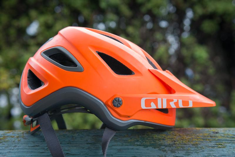 yksityiskohtaiset kuvat monia muodikkaita varoa Giro Montaro MIPS Helmet - Review - Pinkbike