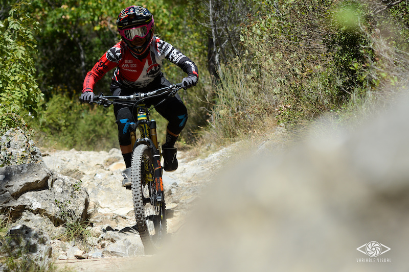 Riding the dry trail of gemenos with the Altitude
