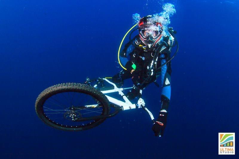 Biking Dive