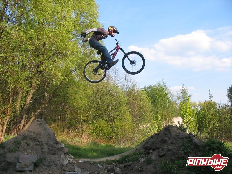 no hander suicide on new bike