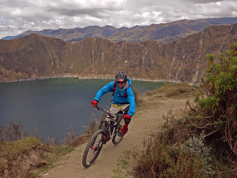 Day 5 of our Ecuador mountain biking trip was supposed to be a rest day but had us acclimatizing to altitude further by sleeping at 3850m and then riding a short loop at 4000m on Volc n Quilotoa. This is a pretty famous predominantly hiking loop about 3 hours south of Quito.