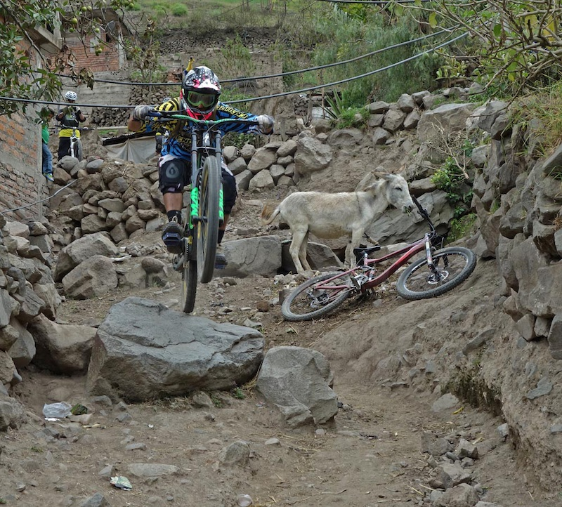 With Ride Ecuador we were one of the few riders to ride Andres Sotomayor s 20km I-Line route. The route started at 3613m at Pacchamama Bajo crossed to Shusilcon and then descended to Nizag before ending at Pistishi at 1884m descending a total of 1882m