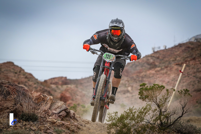 1st Place Men s Category 1 40-49 DVO Mob n Mojave. Photo by Ian Cook