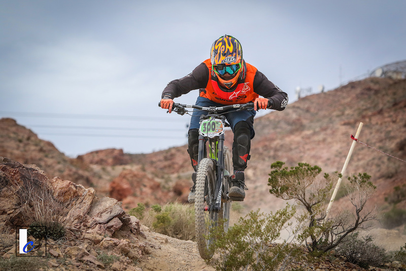 1st Place Men s Category 3 15-18 DVO Mob n Mojave. Photo by Ian Cook