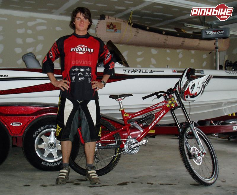 Pinkbike/Devinci DH team member Derek Chambers and his new race bike and kit.