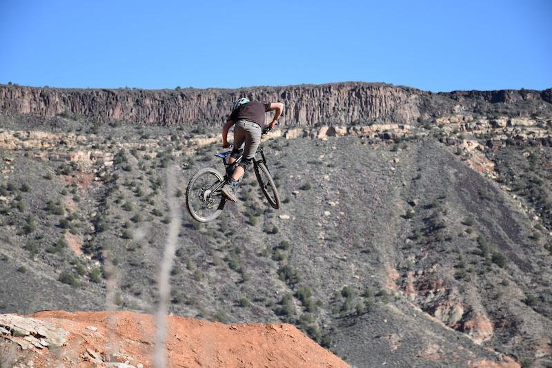 L-dub getting it on the trailbike