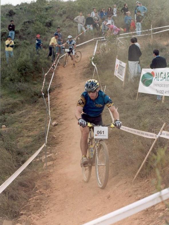 18 abril 1998. ---  Prova UCI (19 abril): http://www.pinkbike.com/video/124411