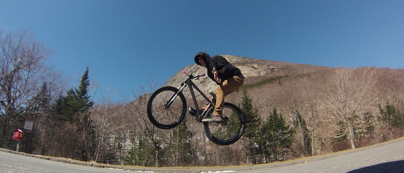 Tossing the B's in front of the old man of the mountain site in my home state NH! My girl killed this shot!