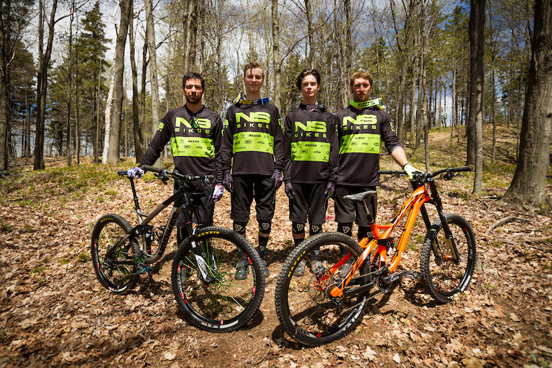 2016 Lama Cycles NS Bikes Team Photo