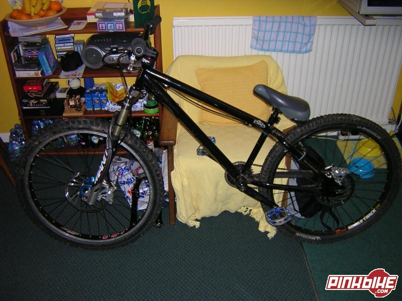 My 2002 Norco two50 with Manitou Millenium forks, Hope M4's, Atomlab stem, Eastoa EA50 bars, snafu seat & post, FSA pig headset, Hope Bigun on planet-x BMF & XT on singletrack