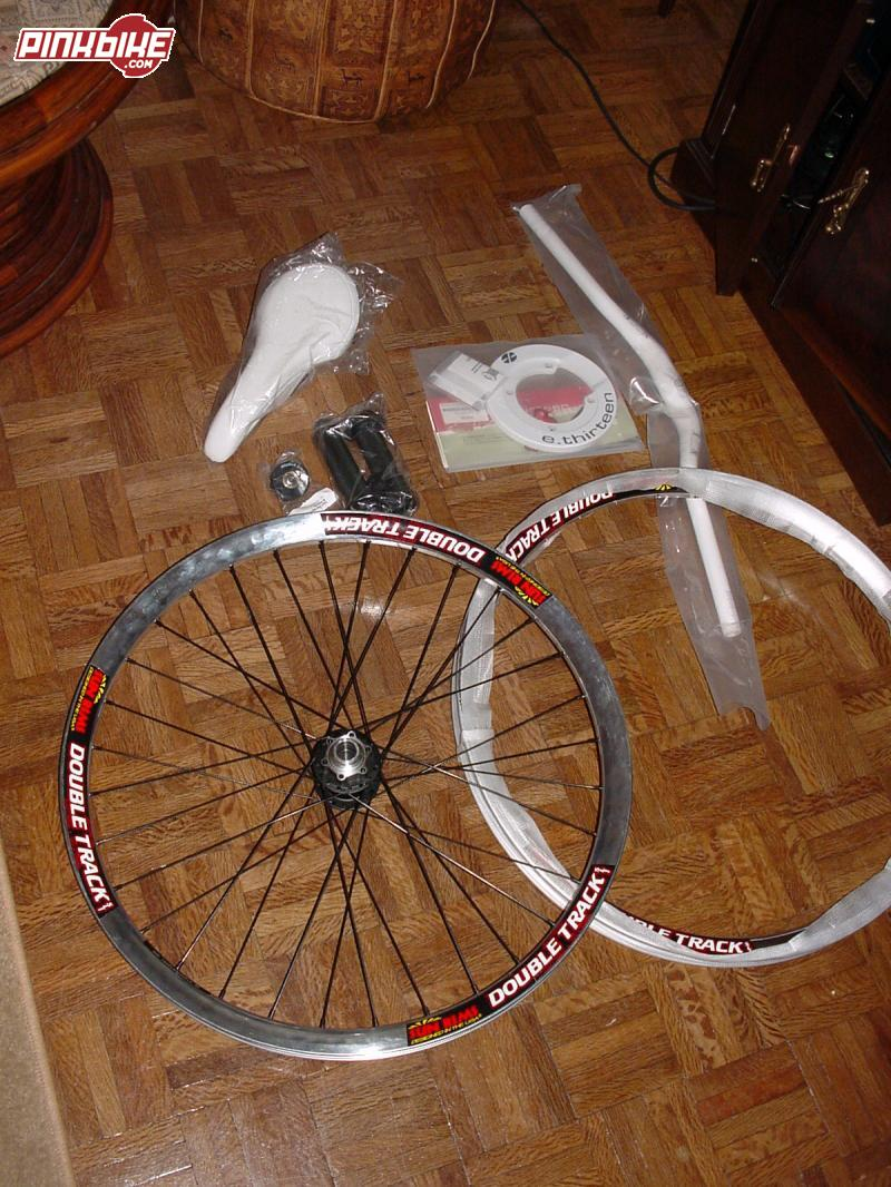 new parts for my scream!!! chrome Double Tracks, e.13 bash, nope handlebar, fizik freek saddle, nope gips, and a seal bearing roller for my chain guide.